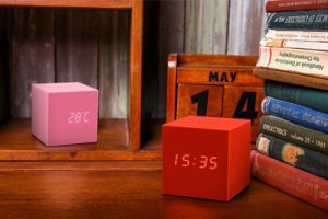 Gingko 2016 NEW Gravity Cube Click Clock (1)